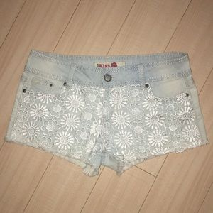 1st KISS DENIM SHORTS.